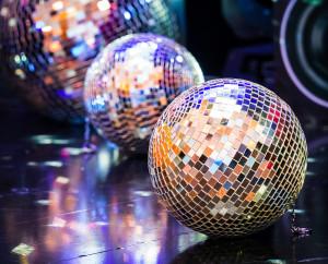 Ples a diskotéková koule